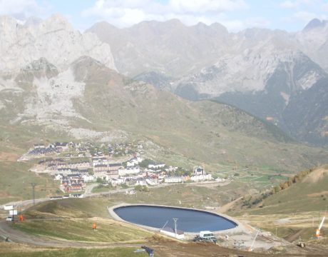 Reservoirs and sewage at the Formigal ski resort - 5
